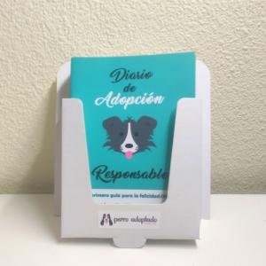 Diario adopcion responsable perro con expositor